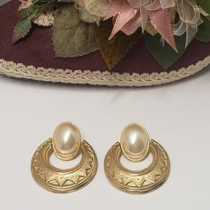 Gorgeous Vintage Faux Pearl Statement Earrings